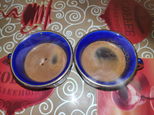 coffee_from_jezve_poured_in_cups