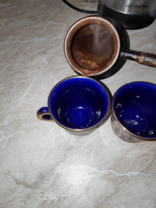 coffee_from_jezve_pouring_to_cups1
