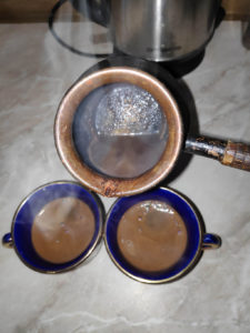 coffee_from_jezve_pouring_to_cups2